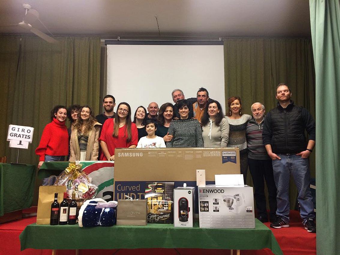 Gruppo Pro Loco Ficarolo alla lotteria degli auguri 2018