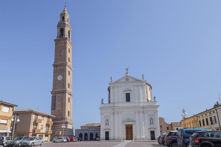 Chiesa e campanile di Ficarolo