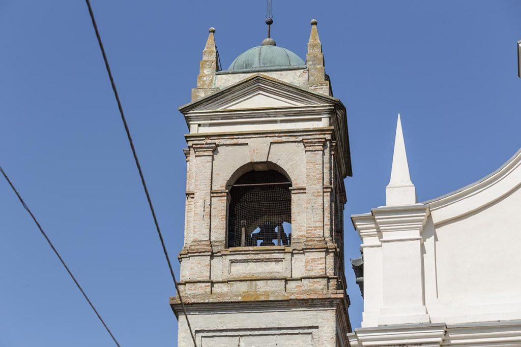 Particolare del campanile.