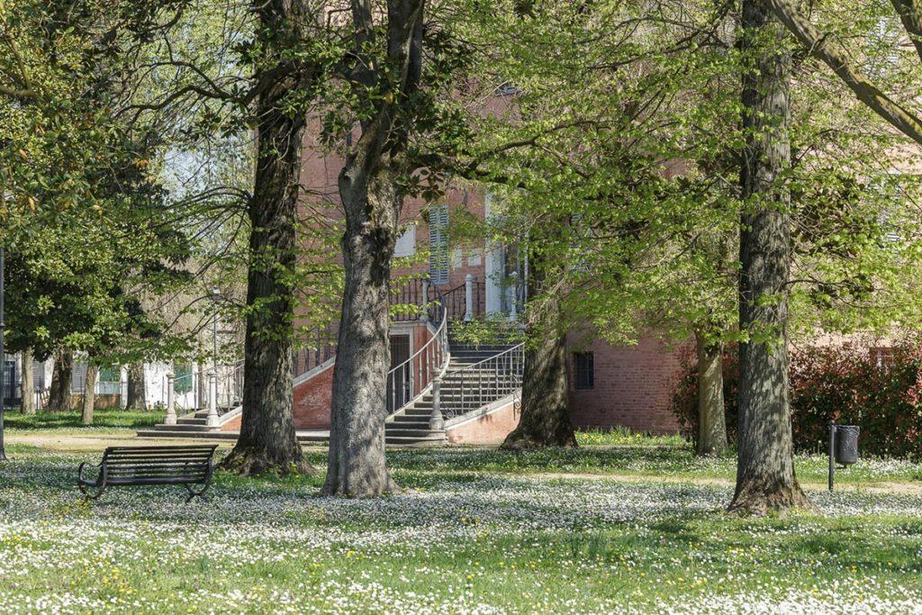 Villa Giglioli vista dal parco.