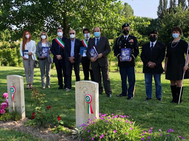 Gli aviatori che morirono a Ficarolo il 21 e 22 aprile aprile 1945, saranno ricordati per sempre